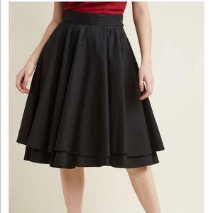 ModCloth Essential Elegance Midi Skirt in Black XS
